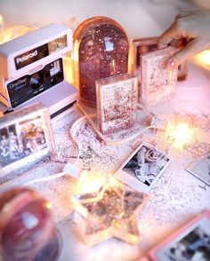 UO Gifted: Top 10 Home Gifts for Everyone on Your List Very Merry Christmas, Cozy Christmas, Xmas, Diy Craft Projects, Diy Crafts, Christmas Tree Background, Glitter Frame, College Dorm Decorations, Photo Journal