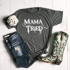 Boutique Clothing, Fashion Boutique, Ootd Fashion, Women's Clothing, Best Casual Outfits, Cool Graphic Tees, Super Mom, What I Wore, Plus Size Outfits