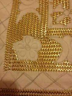 This Pin was discovered by eme Gold Embroidery, Embroidery Stitches, Idee Diy, Gold Work, Bargello, Premium Wordpress Themes, Handicraft, Couture, Flower Power