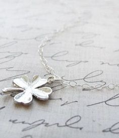 Lucky 4 Leaf Clover Necklace <3 I pretty much need this...