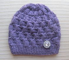 Please note: this is a knitting pattern in PDF format, not a finished hat. This pattern is available for INSTANT DOWNLOAD. Once your payment is confirmed, you will receive an email from Etsy with a download link (it can take about 5 minutes). If you need to contact me please do it