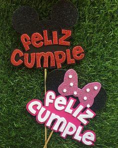 Creaciones Dencantos C. Diy Cake Topper, Birthday Cake Toppers, Cupcake Toppers, Diy Birthday, Birthday Party Decorations, Diy And Crafts, Paper Crafts, Ideas Para Fiestas, Mickey Mouse Birthday