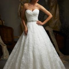 Sexy white / ivory lace A-line Wedding Dress Custom Size 6 8 10 12 14 16 18 20 + + + Country Wedding Dresses, Princess Wedding Dresses, Modest Wedding Dresses, Bridal Dresses, Amazing Wedding Dress, Trendy Wedding, Lace Wedding, Gown, Workspace Webmail