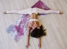 Yoga is a traditional system of healing for the mind and body, hence the yoga lifestyle. It is a popular belief that yoga can cleanse your. Yoga Pilates, Bikram Yoga, Iyengar Yoga, Pilates Reformer, Ashtanga Yoga, Yin Yoga, Vinyasa Yoga, Yoga Inspiration, Yoga Nature