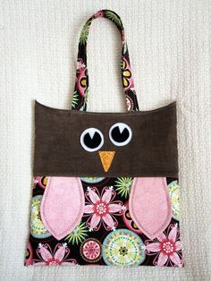 Owl tote. Sorry lady, I'm totally going to copy this! Adorable.