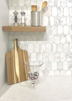 Countertop Backsplash, Quartz Kitchen Countertops, Stone Backsplash, Calacatta Quartz, Marble Quartz, Wall Exterior, Stone Mosaic, Shower Floor, Tile Ideas