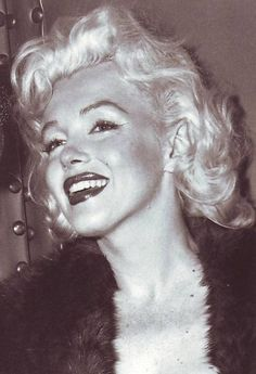 """I think that sexuality is only attractive when it's natural and spontaneous."" - Marilyn Monroe ♥"