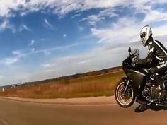 Yamaha R1  na kole