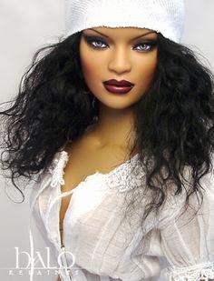 Pretty.. Robert Tonner doll. Repaint by Halo. She looks like Riri