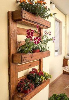 Wooden Pallet Crafts, Wooden Pallets, 1001 Pallets, Diy Planters Outdoor, Bar Outdoor, Pallet Planters, Planter Ideas, Wall Clock Wooden, Pallets Garden