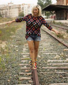 'La vida o es una aventura atrevida o no es nada' Buenos días loves y con nuevo post LINK IN BIO  #gioseppo #newpost #blogger #blogtiful #blonde #blondeblogger #gioseppo #instapic #instasize #instacool #crochet #pompons #apatxebygioseppo #shorts #denim #tendencia #fashionblogger #fashion #tren #goodmorning by blogtiful