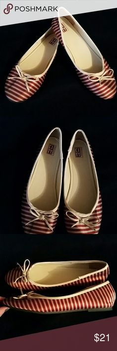 Ballet flats NWOT, NEVER worn!  These are classy little maroon and beige colored flats. They are silky soft and perfect with any outfit! City Snapper's Shoes Flats & Loafers