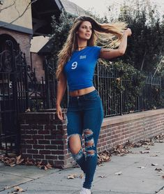 """70.1k Likes, 1,729 Comments - Hannah Stocking (@hannahstocking) on Instagram: """"Twinkle toes. ✨"""""""