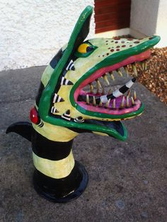 Beetlejuice Inspired, Hand Made/Painted, Sandworm Sculpture. Halloween Prop, Halloween House, Halloween 2019, Holidays Halloween, Halloween Crafts, Happy Halloween, Halloween Decorations, Halloween Ideas, Halloween Village