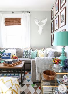 Inspired By Charm Fresh and Party-Ready Living Room http://www.inspiredbycharm.com/2015/01/fresh-party-ready-living-room.html via bHome https://bhome.us