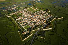 The Brouage citadel - Atlantic Coast ©Regional Council of Poitou Charentes Star Fort, France Landscape, France City, Poitou Charentes, Beaux Villages, Fortification, Archaeological Site, Ancient Architecture, Aerial Photography