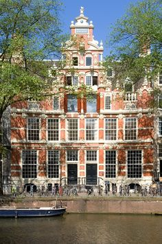 Bartolotti house @ historic boat tour amsterdam Balade en bateau historique Amsterdam