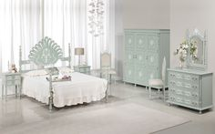 Glamour - We love old furniture Old Furniture, Glamour, Bed, Home Decor, Products, Bedroom, Houses, Decoration Home, Stream Bed