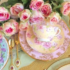 TEA CUP/SAUCER AND DINNER PLATE SOFT COLORS WITH ROSES, LOVILY