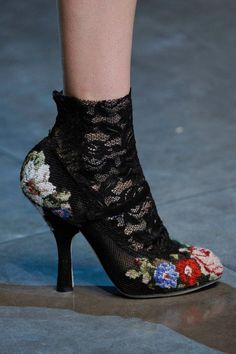 Dolce & Gabbana Embroidered shoes.