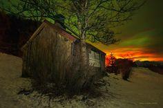 Light around the Cabin by Wim Lassche, via 500px