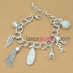Delicate tassels decoration chain link bracelet