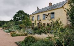 Landscape Designer Alasdair Cameron S Beautiful Practical Devon Garden Landscape Design Residential Landscaping Devon House