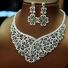 Petchchompoojewelry #emerald