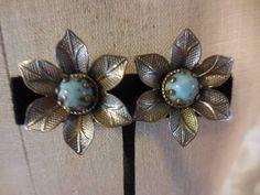 Vintage Earrings, Vintage Jewelry, Vintage Items, Vintage Picture Frames, Turquoise, Screw Back Earrings, Copper Color, Flower Vases, Beautiful Earrings