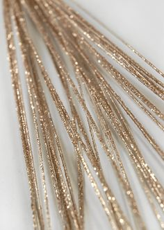 could make it a rustic brown sparkle instead of gold for wedding . this can be the twigs/ branches in vase or mason jars Autumn Wedding, Christmas Wedding, Gold Wedding, Wedding Flowers, Dream Wedding, Wedding Day, Flower Centerpieces, Wedding Centerpieces, Wedding Decorations
