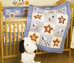 Snoopy Crib Bedding Set - Home Furniture Design Crib Bedding Boy, Baby Bedding Sets, Comforter, Baby Snoopy, Borders For Paper, Bedding Collections, Living Room Designs, Cribs, Toddler Bed