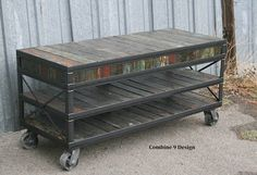 Reclaimed wood TV Stand. Industrial Media Console. von leecowen