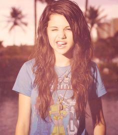 i want her hair! She's soo pretty :D