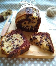 plumcake al latte cacao e vaniglia Plum Cake, Yogurt, Muffin, Banana Bread, Bakery, Cacao, Dessert Ideas, Sweet Dreams, Breakfast
