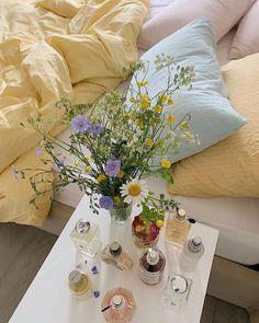 Deco Pastel, Pastel Room, Pastel Purple, Pink Yellow, Room Ideas Bedroom, Bedroom Inspo, Bedroom Decor, 1920s Bedroom, Paris Bedroom