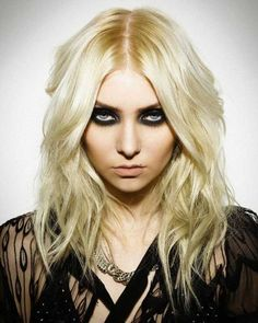 Is Taylor Momsen deadly hot? Taylor Michel Momsen, Estilo Taylor Momsen, Bucky Barnes, Taylor Momson, Women Of Rock, Pop Rock, Metal Girl, Beautiful Celebrities, Beautiful Women