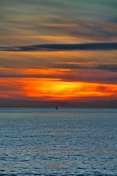 ✮ Beach Sunset and Boat - CA