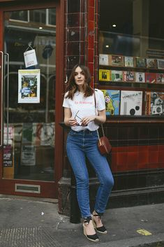 Now you've found the one, time to get it out of your closet! We listed the best inspo to help you out for some fresh way to wear your good old jeans!