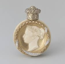 ** Stunning - Perfume Bottle - Royal Worchester.- United Kingdom 1887 **