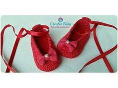 Fabulous Crochet a Little Black Crochet Dress Ideas. Georgeous Crochet a Little Black Crochet Dress Ideas. Crochet Baby Blanket Beginner, Baby Girl Crochet, Crochet Baby Booties, Crochet Shoes, Crochet Slippers, Love Crochet, Crochet Gifts, Crochet For Kids, Crochet Blouse