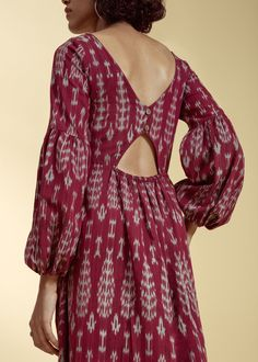 Bohemian belle at first glance sets the mood for this maroon delight. The Taha Dress rediscovers the romance of fluffy sleeves and a sexy back cutout detail. This is an eco-friendly, sustainable and ethical fashion product. Simple Kurta Designs, Kurti Neck Designs, Stylish Dress Designs, Designs For Dresses, Blouse Designs, Gabriela Montez, Stylish Dresses, Fashion Dresses, Designer Party Wear Dresses