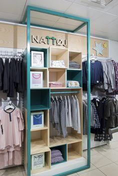 Home Decorators Hamilton Vanity Design Shop, Store Design, Retail Fixtures, Visual Merchandising Displays, Interior Design Software, Reception Design, Retail Interior, Modular Design, Retail Space