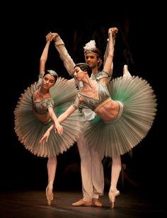 Maria Doval Ballet (=)