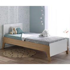 Voici le nouveau lit enfant de la gamme INES 90x190. En coloris blanc et chêne