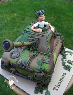 Tank themed cake - the-icing-on-the-cake - For all your cake decorating supplies, please visit craftcompany.co.uk