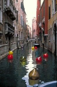 Chiuly glass bobbers in Venice!