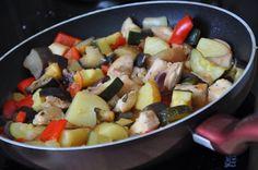 Csirke ratatouille - csakapuffin.hu Ratatouille, Fruit Salad, I Foods, Lunch Ideas, Blog, Fruit Salads, Blogging