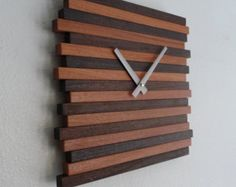 Clock Wall Hanging Reclaimed Wood Modern Decor This wall clock is my latest product design that has alternating light and dark wood strips for a great Diy Wood Wall, Wooden Walls, Wall Clock Design, Clock Wall, Wall Art, Cool Clocks, Modern Clock, Diy Clock, Clock Ideas