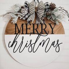 Holiday Signs, Christmas Signs, Winter Christmas, Holiday Fun, Christmas Wreaths, Christmas Crafts, Front Door Christmas Decorations, Christmas Front Doors, Xmas