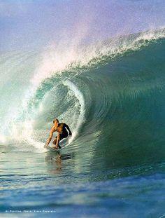 kelly slater, surfin'